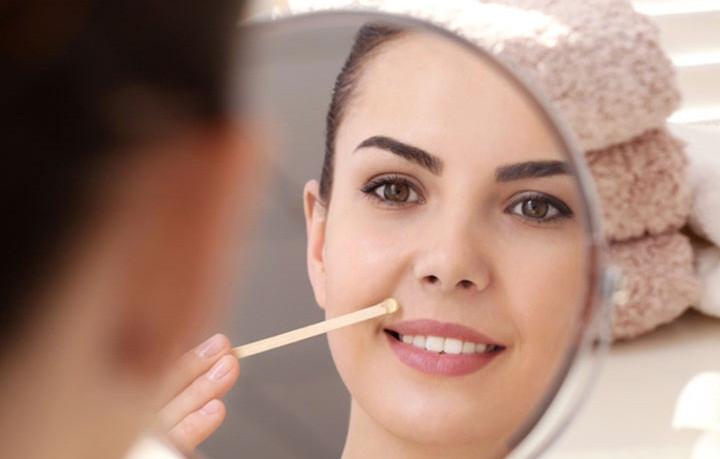 كيف يمكنكي تشقير شعر الوجه طبيعيا بسرعة