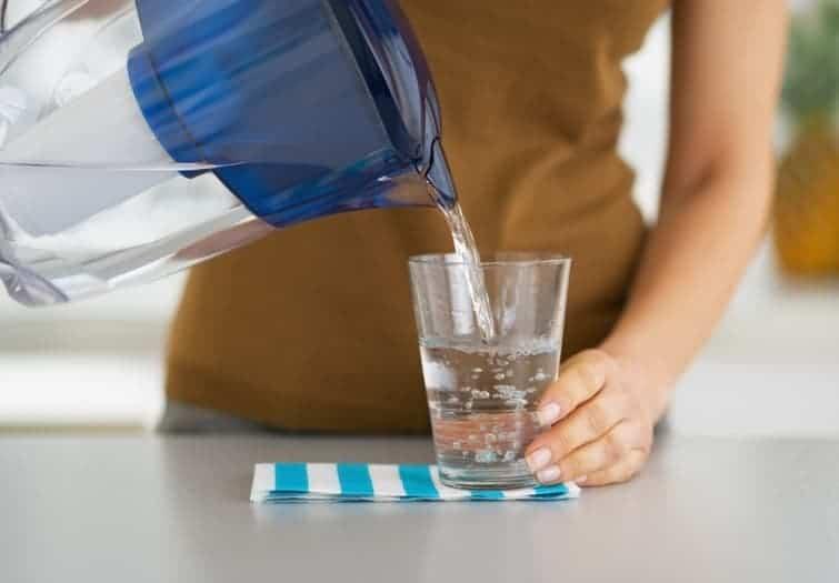 من المهم شرب الكثير من الماء؟
