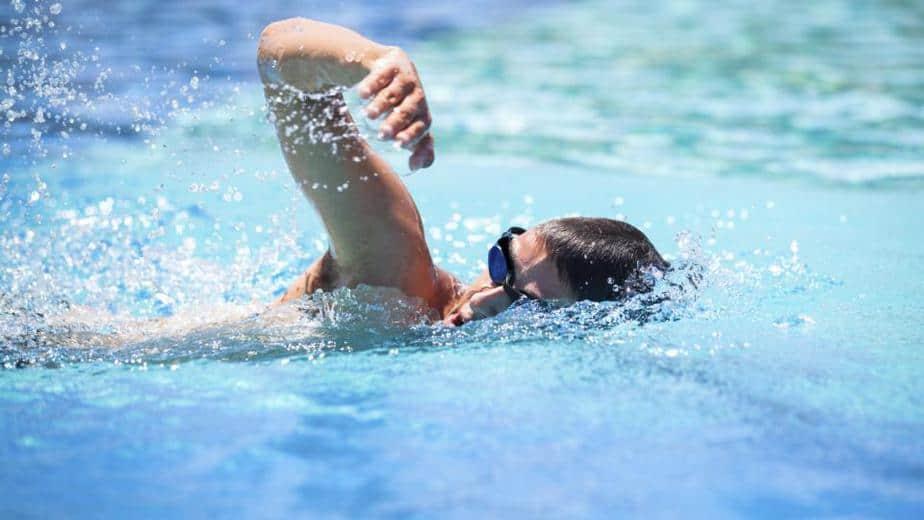 فوائد السباحة للجسم - أونيلا