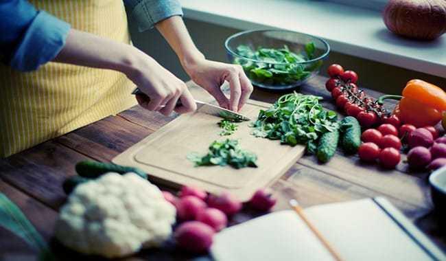 12 وصفه غذائية لبشرة مشرقة ومثالية