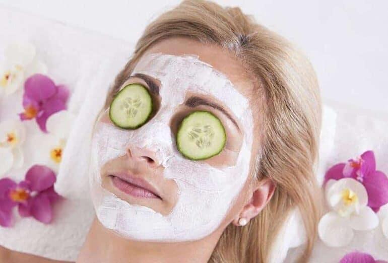 10 أخطاء شائعة عند استخدام ماسك الوجه