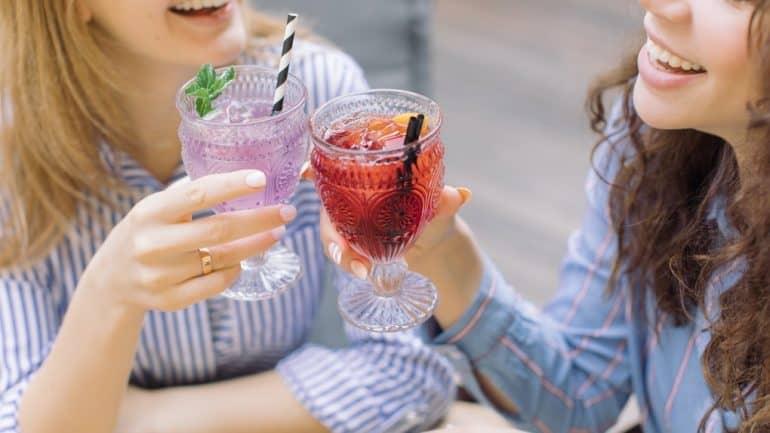 5 مشروبات لتنظيم الدورة الشهرية