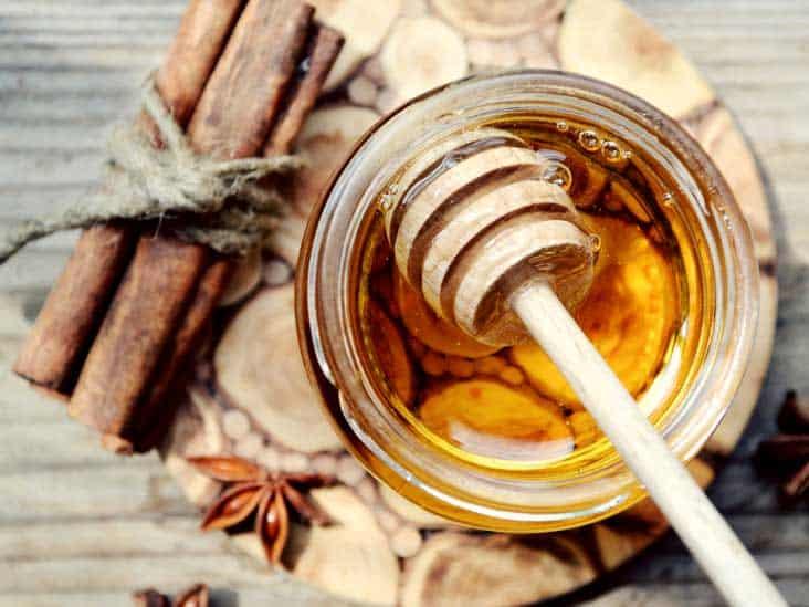 تبييض الوجه بالقرفة والعسل - أونيلا