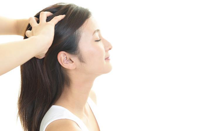 تدليك فروة رأسك لزيادة طول الشعر - أونيلا