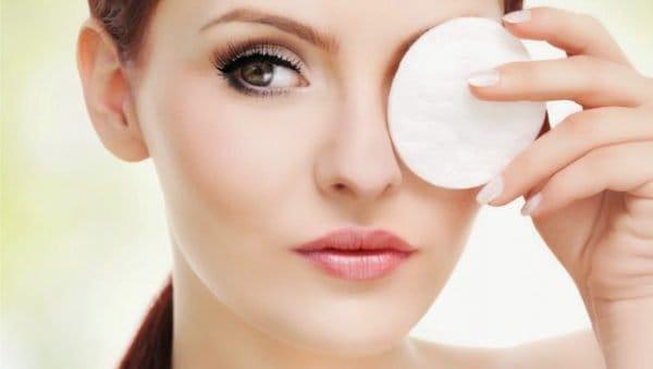 كيف تجعل بشرتك بيضاء وصافية طبيعياً