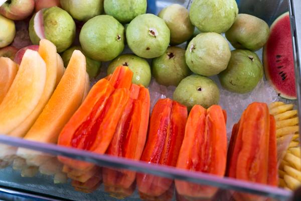 علاج الإمساك المزمن عند الأطفالبعصير البابايا والجوافة