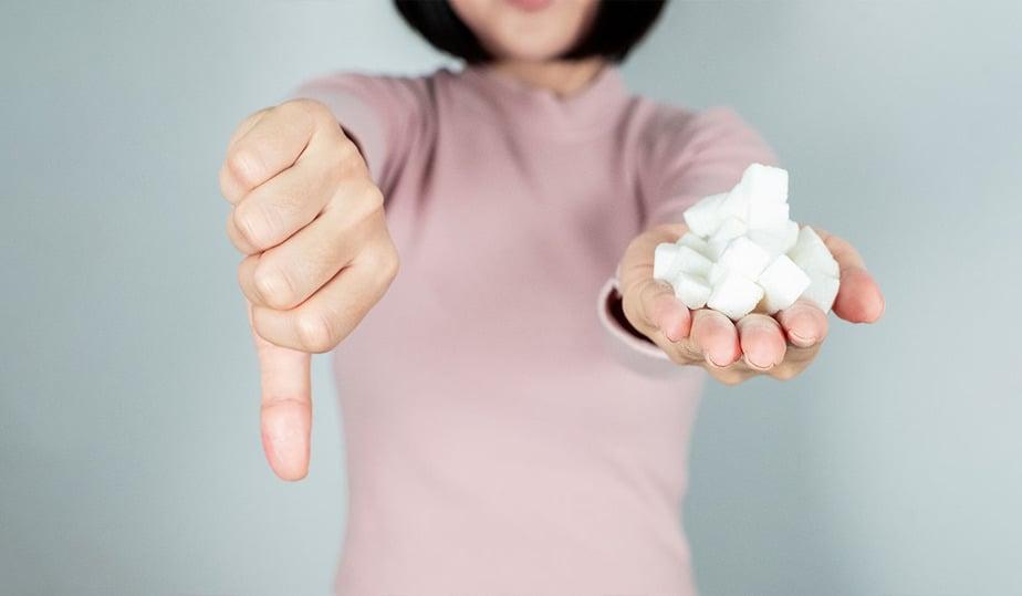 5 أسباب رئيسية لماذا يجب عليك التوقف عن اكل السكر - أونيلا