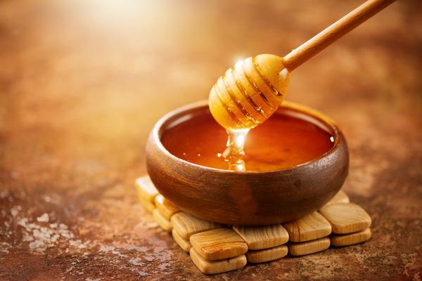علاج الإمساك عند الأطفال بالعسل