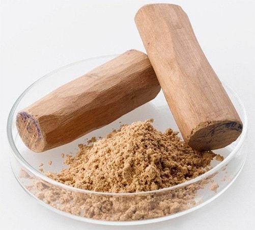 Sandalwood Powder and Cucumber to Treat Dark Inner Thighs