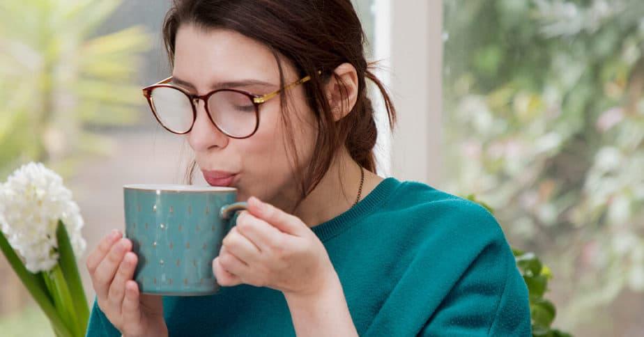 فوائد شرب الماء الدافئ - أونيلا