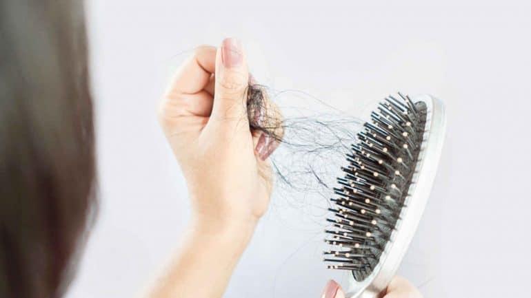 كيفية تجنب تساقط الشعر: 5 علاجات منزلية