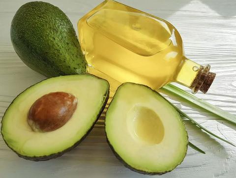 وصفة الأفوكادو وزيت الزيوت لتعزيز نمو الشعر - أونيلا