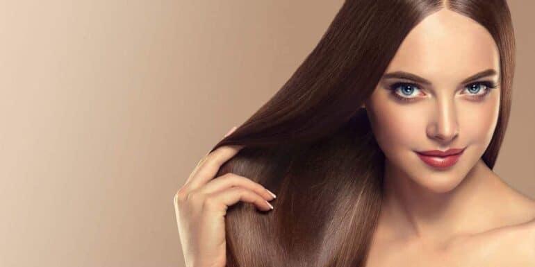 كيفية الحفاظ على الشعر مفرود ولامعًا