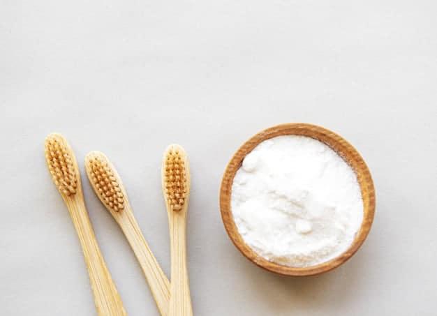 كيفية تبييض الأسنان بصودا الخبز : افضل 5 طرق للتبيض