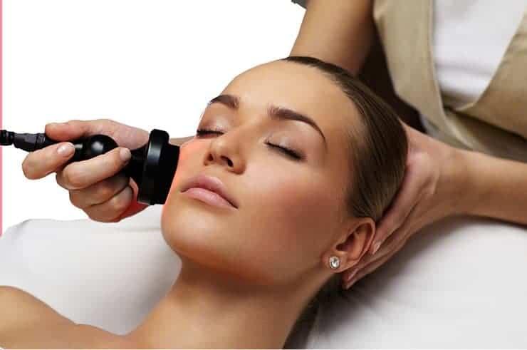 ما هي فوائد شد الجلد بالترددات الراديوية؟