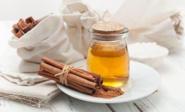 قناع القرفة والعسل لتنظيف البشرة