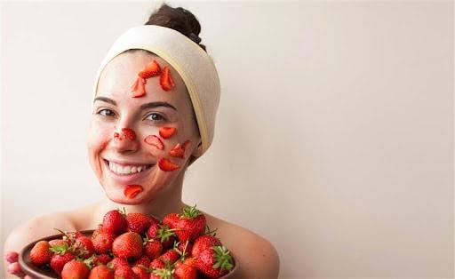 ماسكات الفراولة للبشرة والشعر - أونيلا