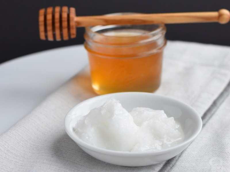 مقشر بزيت الزيتون والعسل والسكر