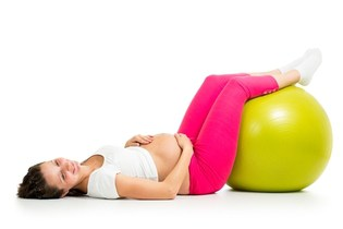 تمارين لزيادة حركة الجنين