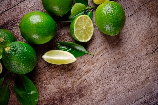 علاج عسر الهضم بعصير الليمون - أونيلا