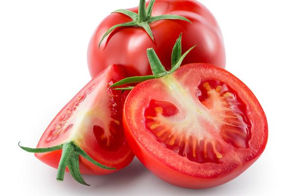 تقشير البشرة الدهنية بالطماط